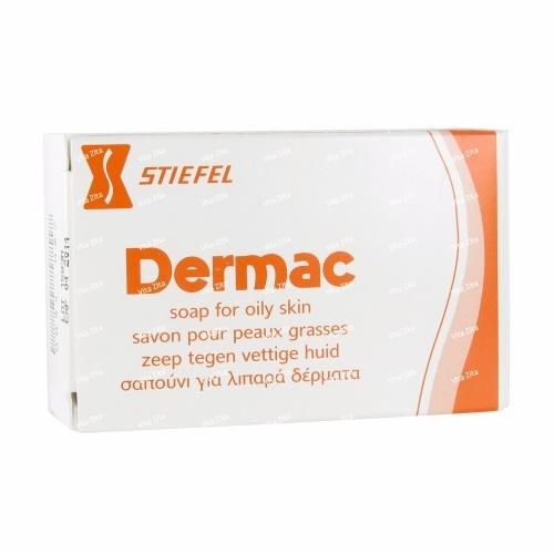 Medicina de acne em uma cara